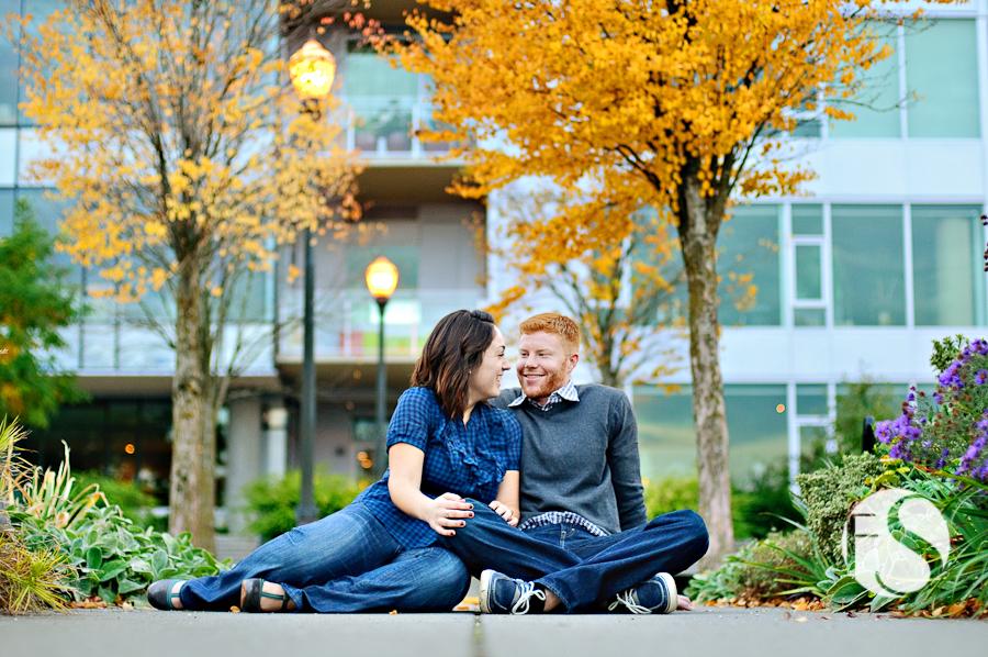 engagement photos Portland Oregon fall downtown
