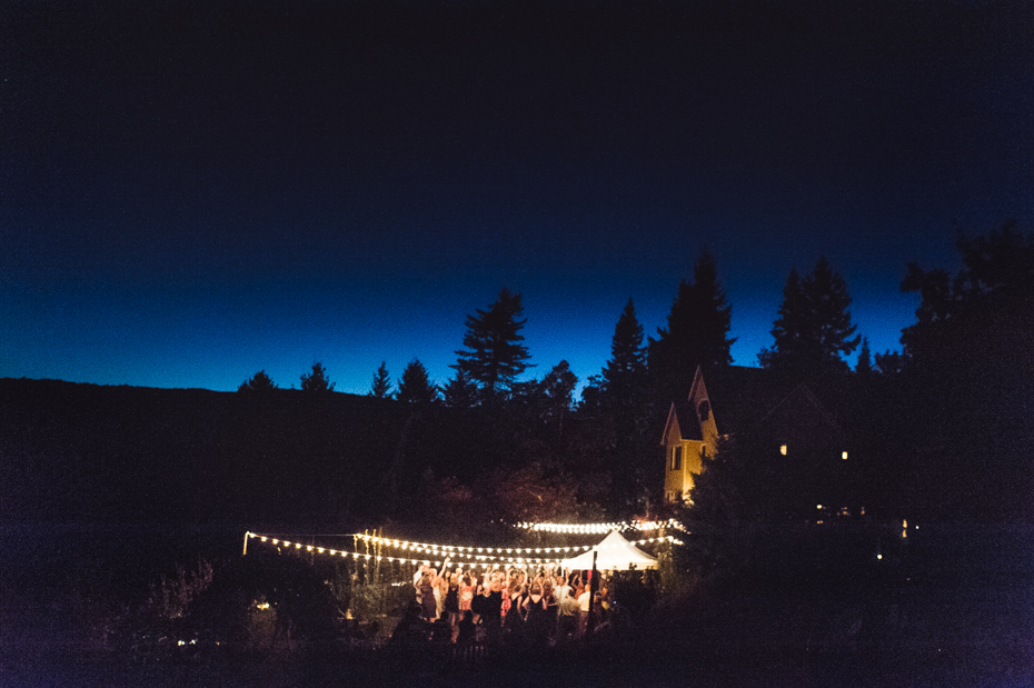husum-highlands-gorge-wedding-042