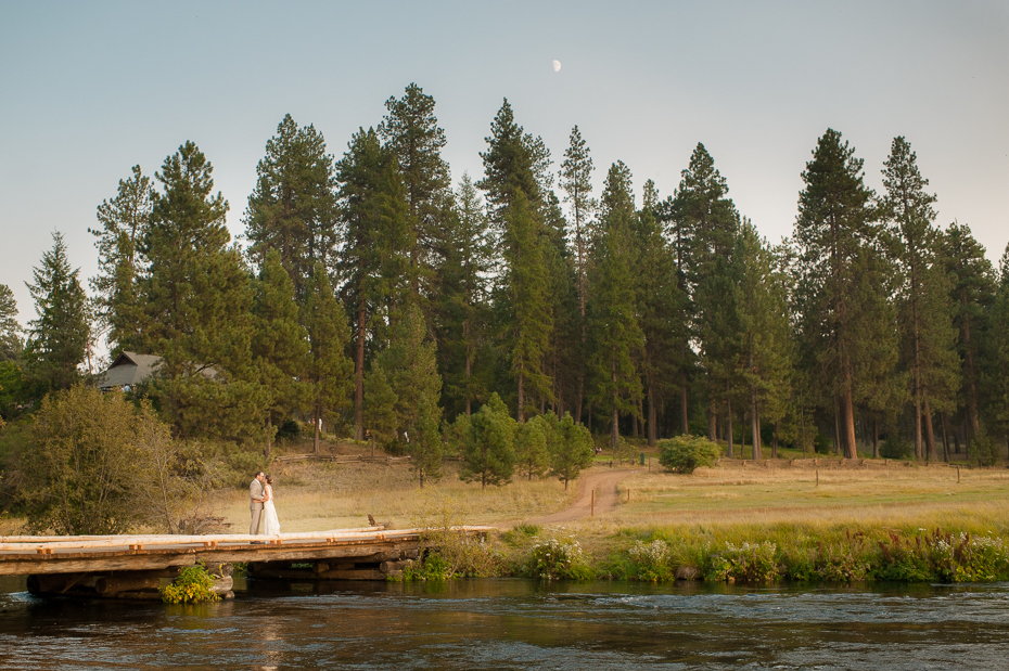 house-on-metolius-wedding-033
