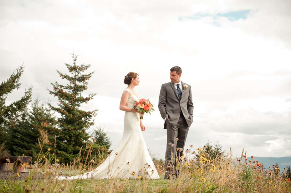 pacific-northwest-fall-gorge-crest-wedding-010