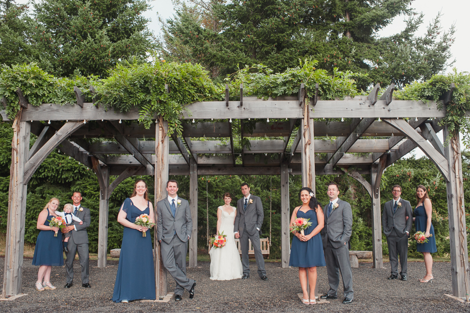 pacific-northwest-fall-gorge-crest-wedding-029