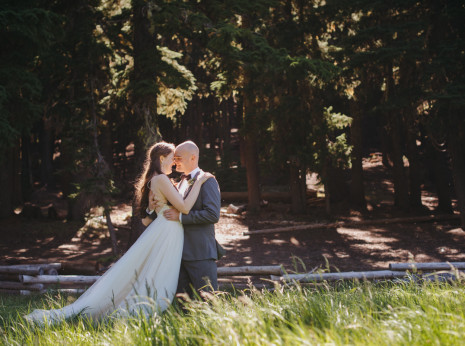 bride and groom at Todd Lake, Oregon