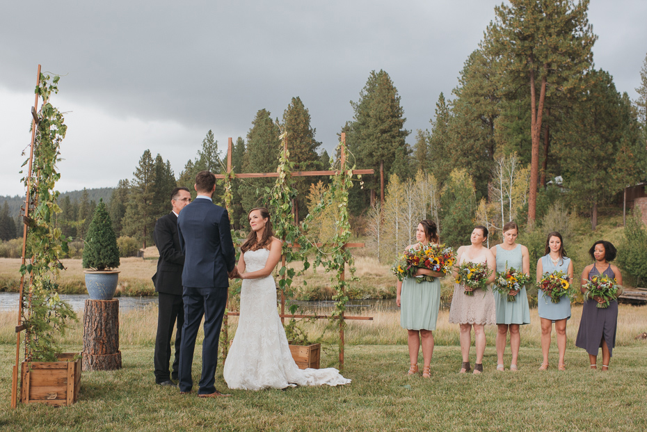 065 house on metolius central oregon wedding