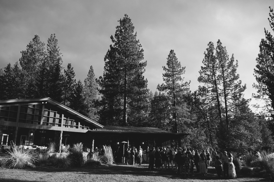 081 house on metolius central oregon wedding