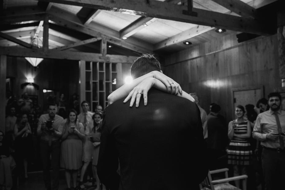 099 house on metolius central oregon wedding