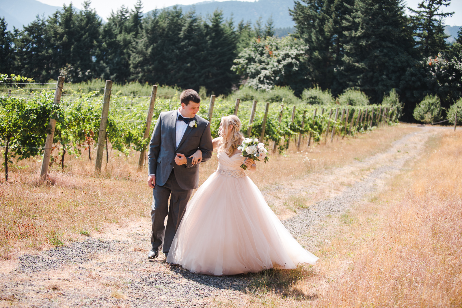 026 gorge crest vineyard wedding