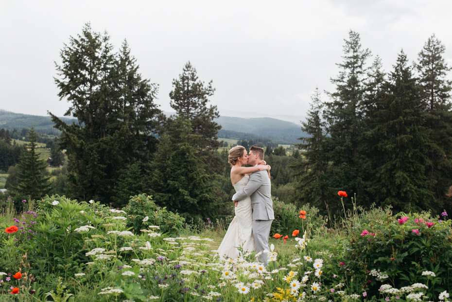 001 playful mt hood organic farms wedding