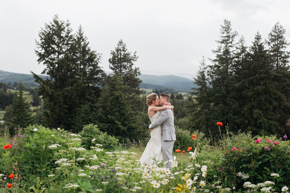 001 playful mt hood organic farms wedding