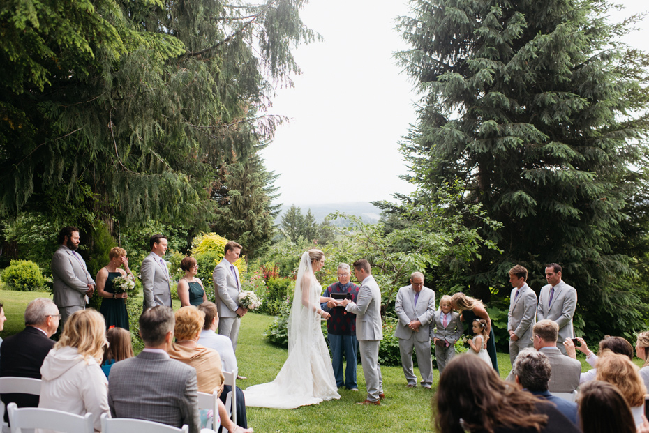 011 playful mt hood organic farms wedding